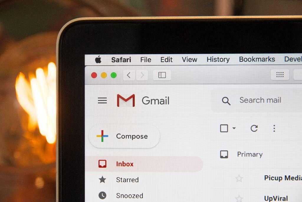 Mengirim Email Melalui Command Line